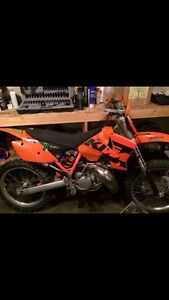 KTM 200 sx Off road bike.