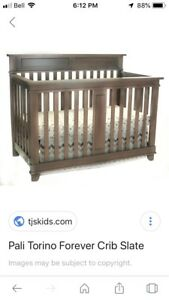 Solid Wood Crib / Toddler Bed w Linens & Mattress