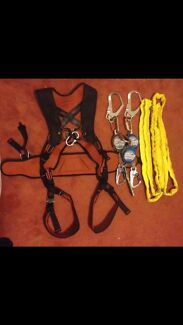 NEW - FULL BODY FALL ARREST HARNESS & 3 x 2M INERTIA REELS - USED West Perth Perth City Preview