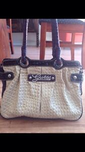 Genuine Guess Handbag Manning South Perth Area Preview