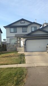Airdrie 4 bedroom house for rent