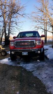 Lifted 2011 GMC Sierra Low KM