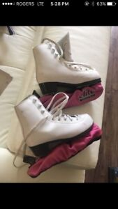 Ice skates for little guel