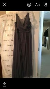 DAVIDS BRIDAL GOWN NEVER WORN TAG ATTACHED