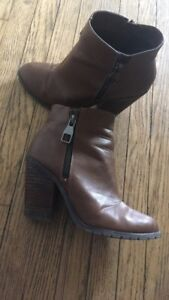Women's brown bootie