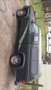 1996 dodge Dakota v8 4x4 150km