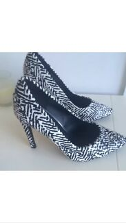 Brand new size 5 heels Watson North Canberra Preview