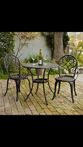 Wanted: bistro set