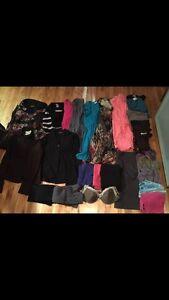 LOT de 28 vêtements femme portés entre 120-130 lbs