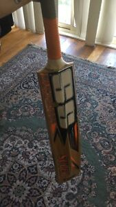 TON English willow cricket bat Bentleigh East Glen Eira Area Preview