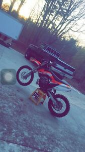 2016 ktm 250 sx only 13 hours on whole bike!!