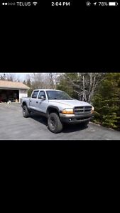2000 Dodge Dakota SLT 4x4Quad Cab