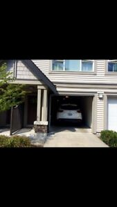 3bdrm Townhouse for rent in sought after Morgan Heights