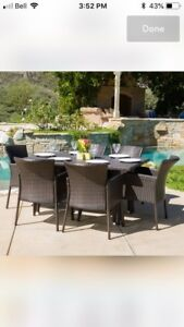 Beautiful 6 person outdoor dining set