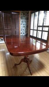Magnifique table en BOIS franc