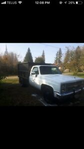 REDUCED!! $2950.00 OBO 1986 Chevy One Ton Dump truck $2950.00