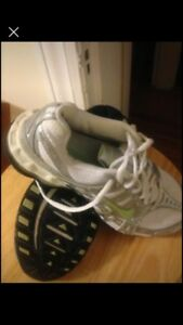 New Nike Sneakers size 6