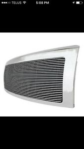 Chrome grille ford