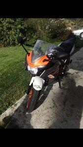 2011 Honda CBR125R $2000 OBO