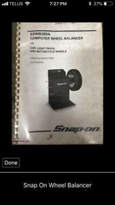 Snap on wheel balancer