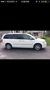 Chrysler Town and Country! Great Condition!