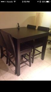 Bar size table and chairs Cambridge Kitchener Area image 2