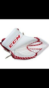LOOKING FOR: CCM goalie glove