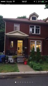 3 rooms for rent / 3 chambres a louer