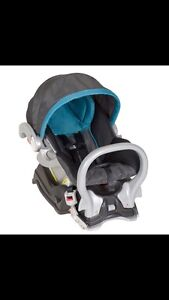 Infant Car seat and base London Ontario image 1