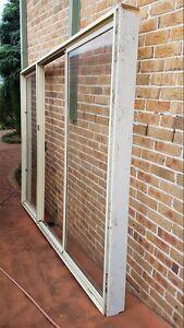 3 panel prime rose aluminium sliding door Casula Liverpool Area Preview