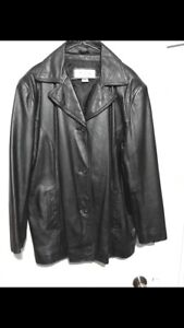 Women's Wilson's Leather jacket, worn once. XL