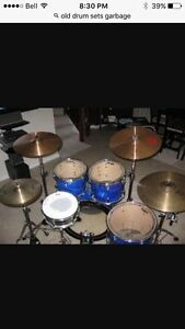 Wanted. Old drum sets.