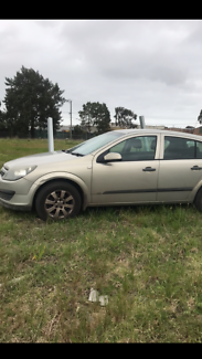 Holden Astra ah 2005 wrecking all parts