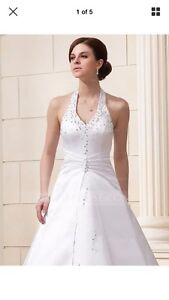 A-Line Princess/Halter Chapel Train Satin Wedding Dress Size US8 Schofields Blacktown Area Preview