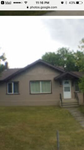 St Vital house for rent- open House tomorrow at 11am