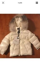 Auth. Moncler baby jacket with fur 18-24 months new