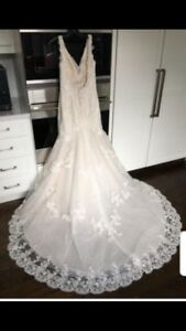 1500 new Chrisrtine Dando Wedding Dress andCathedral Length Veil