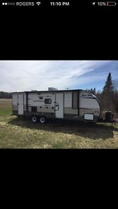 2014 Cherokee Grey Wolf 23dbh ( in like new condition)