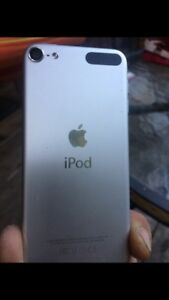 iPod touch 6 250$ case life proof and pop soket 15$
