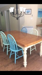 Solid wood table with 6 chairs dining set with ext leaf