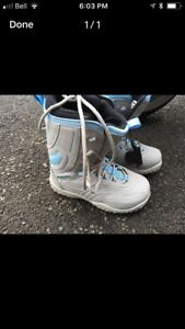 Ladies snowboard boots