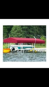 Boat lift with cover