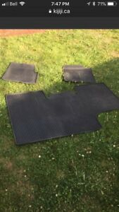 2009-2014 rubber floor mats in great shape