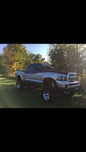 2004.5 Dodge Ram 2500 Pick-Up Truck