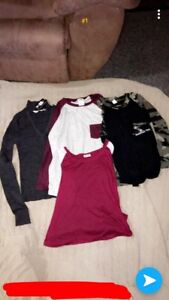 4 womans shirts  10$ for all  (pink)