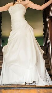 Size 10 wedding dress Sorell Sorell Area Preview