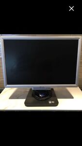 "19"" ACER Screen (keyboard and speakers available)"