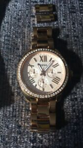 Fossil watch rose gold $70
