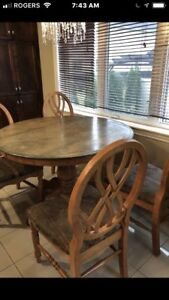 Solid oak dining room set and hutch buffet