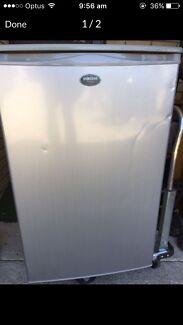 Bar fridge Samsung 127L